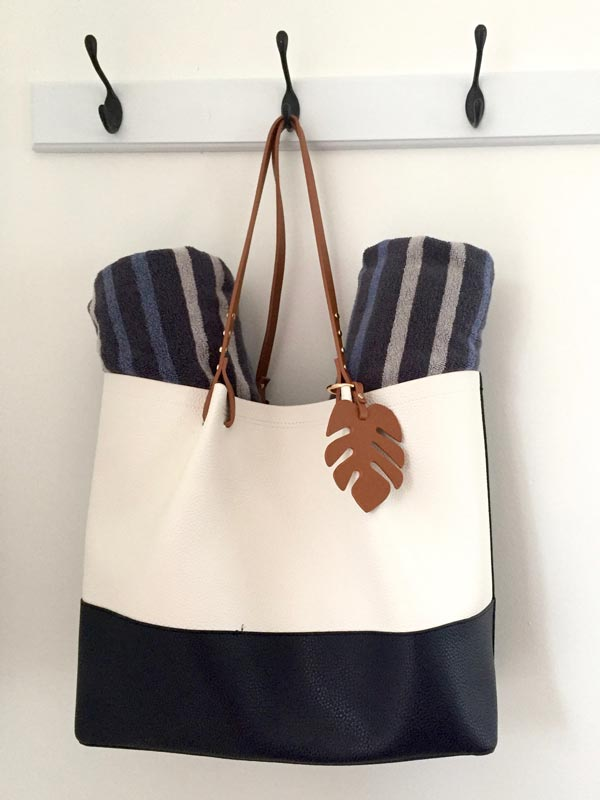 Beach Bag with Towels - Upper Suite Serenity detail