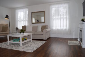 Roomy, Spacious Upper Suite Serenity Vacation Apartment in Port Franks, Ontario, Canada